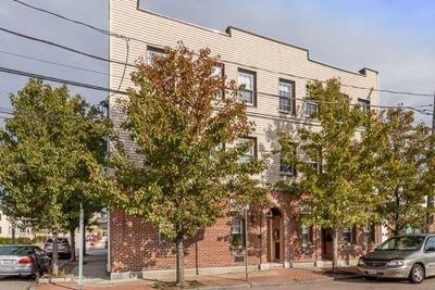 Quincy Condo/Townhouse For Sale: 74 Sagamore St #B
