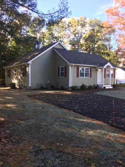 Billerica Single Family Home Price Changed: 24 Holly Street