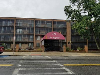 Medford Condo/Townhouse For Sale: 190 High St #305
