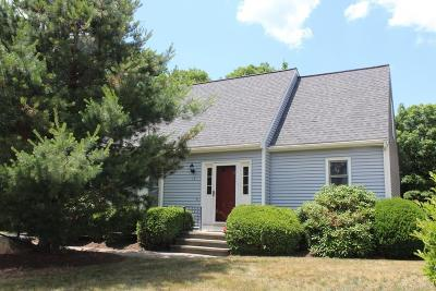 Bellingham Single Family Home Contingent: 15 Country Side Rd #15