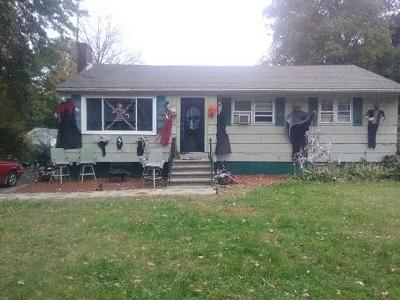 Brockton Single Family Home Under Agreement: 117 Healey Ter