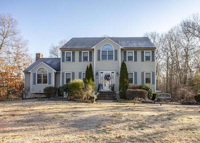 East Bridgewater Single Family Home For Sale: 49 Captains Way