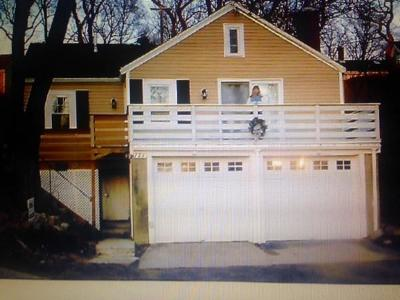 Gloucester MA Single Family Home For Sale: $425,000