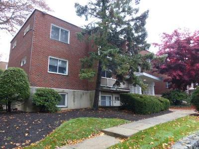 Waltham Condo/Townhouse Under Agreement: 20 Jacqueline Rd #C