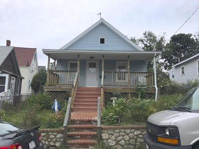 Hull Single Family Home For Sale: 21 Roosevelt Ave