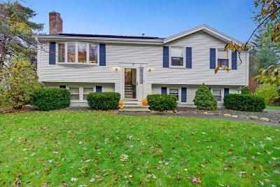 Methuen, Lowell, Haverhill Single Family Home For Sale: 7 Lincolnshire Dr