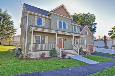 Medford Single Family Home For Sale: 22 Richard St.