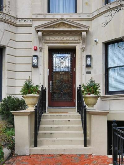 Condo/Townhouse For Sale: 329 Commonwealth Ave #1