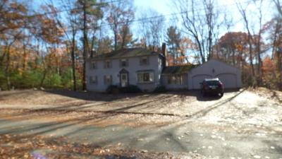 Lynnfield MA Single Family Home Under Agreement: $699,000