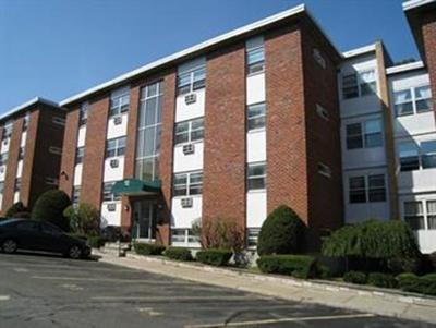 Rental For Rent: 12 Commonwealth Ct. #11