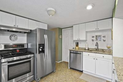 Weymouth Single Family Home For Sale: 44 Oak Cliff Rd