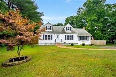 Foxboro Single Family Home For Sale: 20 Winter St