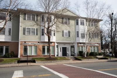 Canton Condo/Townhouse Contingent: 705 Washington St #G
