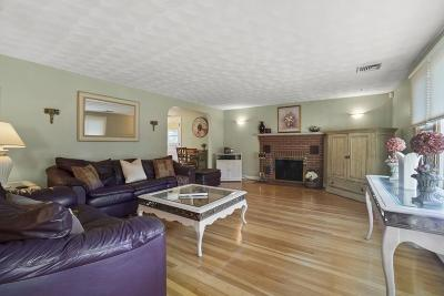 Lynnfield MA Single Family Home For Sale: $669,000