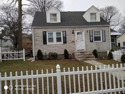 Brockton Single Family Home For Sale: 32 Oakland Ave