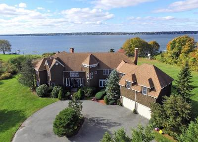 RI-Newport County Single Family Home For Sale: 112 Riverscape