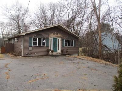 Blackstone Single Family Home For Sale: 85 Elm St