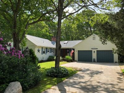 Bourne Single Family Home For Sale: 74 Club House Dr