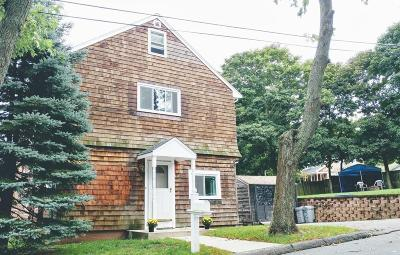 Saugus Single Family Home For Sale: 2 Cliff Street