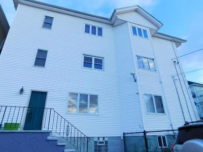 Fall River Multi Family Home For Sale: 318 William St