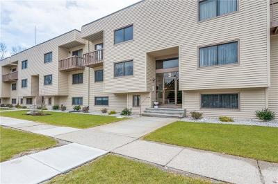 Lincoln RI Condo/Townhouse For Sale: $139,900