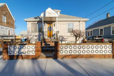 Hull Single Family Home For Sale: 726 Nantasket Ave