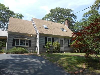 Barnstable Single Family Home Contingent: 10 Marthas Way
