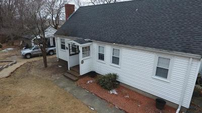 Holbrook Single Family Home For Sale: 41 Plymouth St