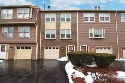Tewksbury Condo/Townhouse For Sale: 34 Heritage Drive #34