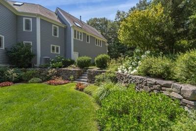 Dover Single Family Home For Sale: 16 Snows Hill Lane