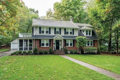 Newton Single Family Home For Sale: 45 Fenwick Rd