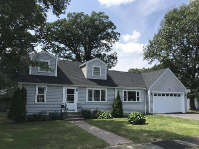 Natick Single Family Home For Sale: 10 Manor Ave