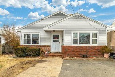 Revere Single Family Home For Sale: 367 N Shore Rd