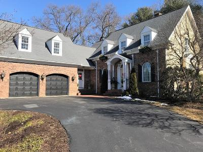 North Attleboro Single Family Home For Sale: 2 Olde Tower Ln