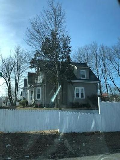Brockton Single Family Home For Sale: 542 Crescent St