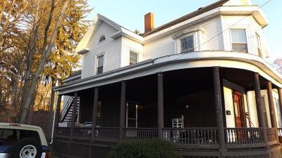 Woburn Rental Under Agreement: 10 Arlington Rd #1R