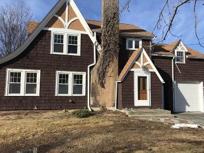 Grafton Single Family Home For Sale: 1 Virginia Cir