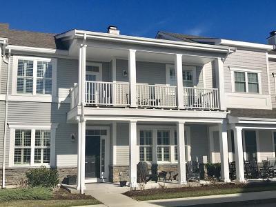 Hingham Single Family Home For Sale: 135 Whitaker Lane
