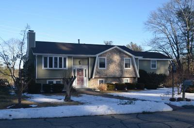 Billerica Single Family Home For Sale: 18 Robinhood Lane