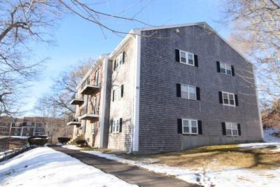 Plymouth Condo/Townhouse Contingent: 19 Chapel Hill Dr #9