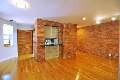 Condo/Townhouse For Sale: 95 Gainsborough St #408