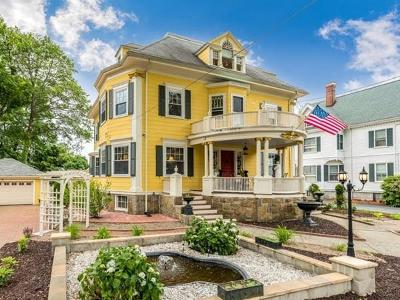 Melrose Single Family Home For Sale: 118 Bellevue Ave