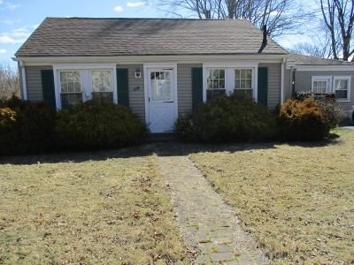Somerset MA Single Family Home For Sale: $199,900