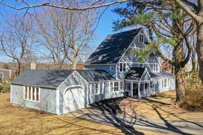 Hingham, Hull, Scituate, Norwell, Hanover, Marshfield, Pembroke, Duxbury, Kingston, Plympton Single Family Home For Sale: 7 Bulrush Farm Road