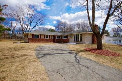 Peabody Single Family Home Under Agreement: 11 Pontiac Rd