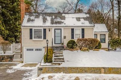 Lynnfield MA Single Family Home For Sale: $615,000