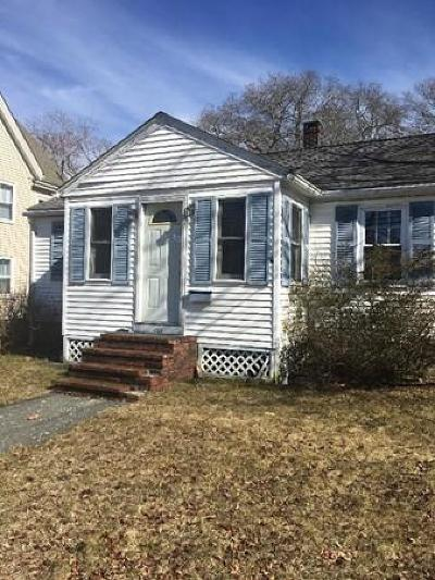 MA-Bristol County Single Family Home Under Agreement: 122 Oak St