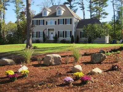 Bourne Single Family Home For Sale: 82 Lewis Point Rd