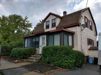 Ipswich Single Family Home For Sale: 27 Fairview Ave