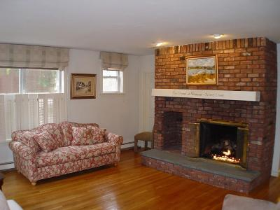 Duxbury Condo/Townhouse For Sale: 100 Parks St #1